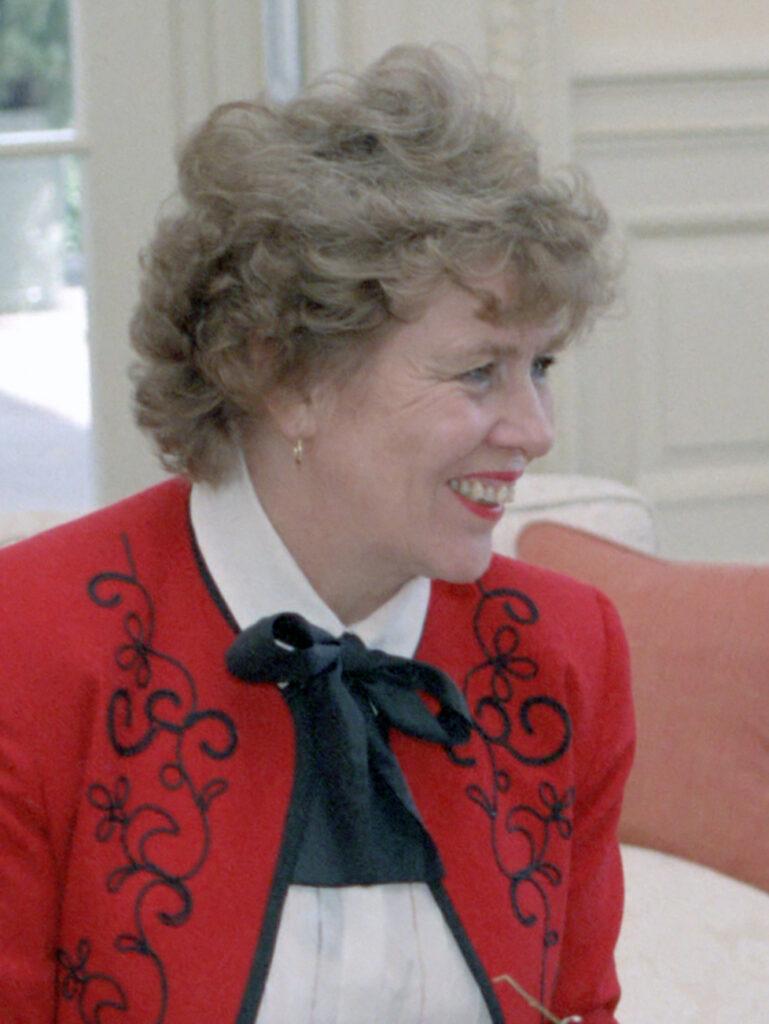 Сюзанн Масси (Suzanne Massie), советница Рейгана, просит российское гражданство. Кто такая Сюзанн Масси иллюстрация
